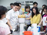 糕餅第二代走進校園用烘焙讓學員感動